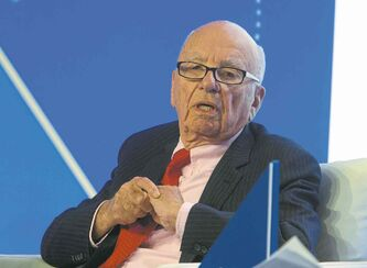 Rupert Murdoch's bid for Time Warner shows he's 'on the prowl,' an analyst says.