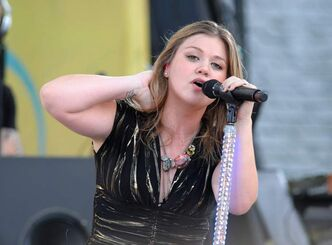 Will Kelly Clarkson warble the anthem in under one minute and 34 seconds?