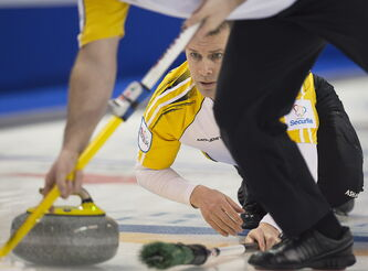 Manitoba skip Jeff Stoughton was on a roll Wednesday while beating Saskatchewan 7-4 in the afternoon draw at the Brier.