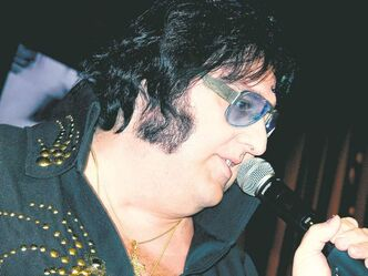 Pete Vallee in his 'Big Elvis' show at Harrah's casino in Las Vegas, Nev.