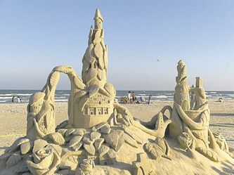 Port Aransas, on the top of Mustang Island, hosts the annual Texas Sand Sculpture Festival in April.