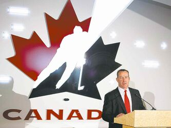 Kevin Dineen was introduced as the new head coach of Canada's national women's hockey team on Tuesday.