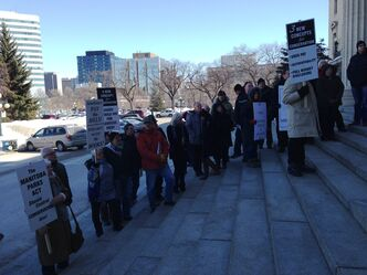 Cottagers rally at legislative building