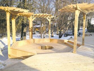 Deckopolis: Large Western Red Cedar Deck by DeHart Construction of Winnipeg.