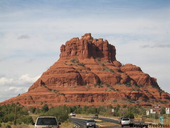 From Sedona, Arizona, a drive southwest to Prescott offers spectacular views of red rock Country, part of the Colorado Plateau.