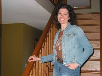 Michelle Anseeuw, of Oak Bluff, is looking forward to performing Sweet Dreams of Patsy Cline with her band The InClines at La Salle's LSCU Complex on April 19.