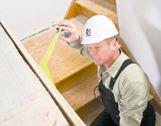 For safety reasons it is necessary for every step in a staircase to be properly spaced and solidly built.