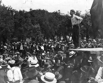 Strike leader Roger Bray addresses strikers in Victoria Park, where Stephen Juba park is today.