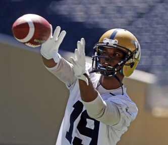 Bombers receiver Aaron Kelly expects to play in Montreal, even though he was hurt in practice earlier this week.