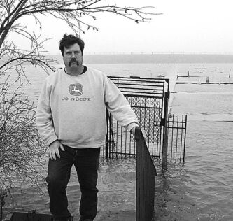 Winnipeg Free Press archives  Blair Olafson's docks at Narrows West Lodge were flooded in 2011.