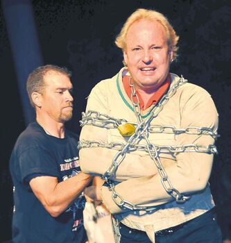 Escape artist Dean Gunnarson will do his thing on Anderson Cooper's show.