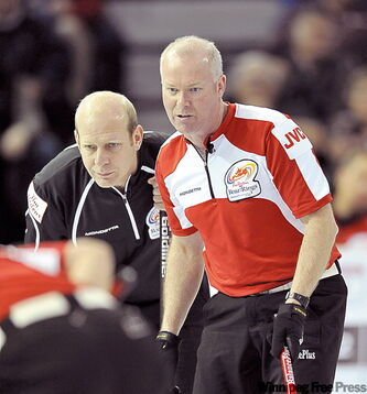 Jeff Stoughton plays Glenn Howard (right) in a semi Saturday. The winner will face Kevin Martin (left).