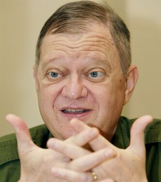 In this May 24, 2004 photo, author Tom Clancy, is shown in New York. THE CANADIAN PRESS/AP, Kathy Willens