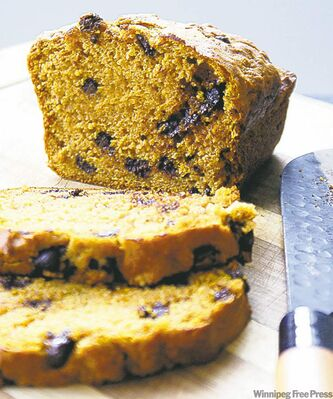 Pumpkin chocolate chip loaf cake