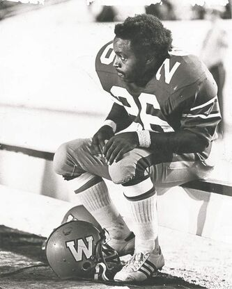 Mack Herron in 1972 during his playing days with the Winnipeg Blue Bombers. He was a sensation as a halfback during the 1970s. INSET: Police mugshot of Herron after his most recent arrest in Chicago.