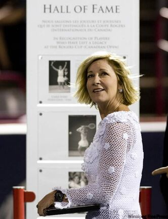 Tennis great Chris Evert acknowledges the Montreal crowd after being named into the Rogers Cup Hall of Fame Monday.
