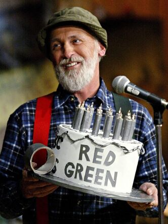 "Actor Steve Smith, portraying his character Red Green, is pictured at his show's finale in Toronto on Nov. 5, 2005. His new book, ""Red Green's Beginner's Guide to Women (For Men Who Don't Read Instructions),"" include chapters ""Men are from Mars, Women are from Men,"" ""Groom for Improvement"" and ""Is it Love or Just Gas?"". THE CANADIAN PRESS/Nathan Denette"
