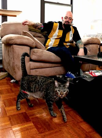Jackson Galaxy works his 'mojo' on Oliver during production of season 3 of My Cat From Hell.