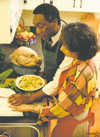 It is recommended that you serve between one and one and a half pounds of turkey per person for a family meal.