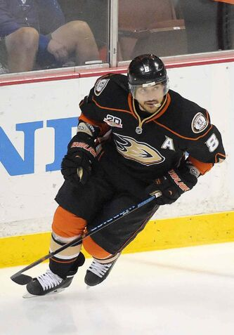 The Anaheim Ducks will retire Teemu Selanne's No. 8 jersey in a ceremony on Jan. 11 when they play the Winnipeg Jets.