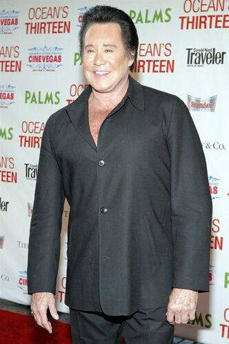 FILE - This June 6, 2007 file photo shows singer Wayne Newton at the premiere of