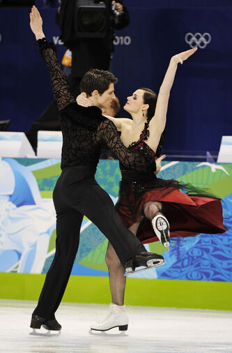 Canadian skaters Tessa Virtue and Scott Moir impressed the judges with Tango Romantica on Friday night.