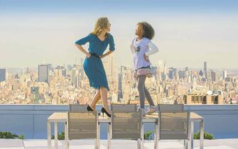 Columbia Pictures Grace (Rose Byrne) and Annie (Quvenzhan�� Wallis) in Annie.