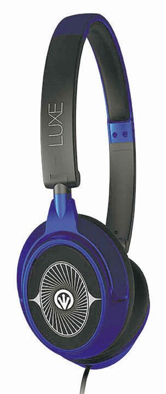 iFrogz Luxe Headphones with Mic - With our signature Luxe metallic look and velvet feel, Luxe Headphones with Mic deliver a blend of perfect bass and crystal clear tones for full stereo sound, encased in a 40 mm driver. Luxuriate in sumptuous sound, while keeping unwanted vibrations at bay. These sleek headphones also include a convenient, in-line single button remote/microphone to control mobile devices.