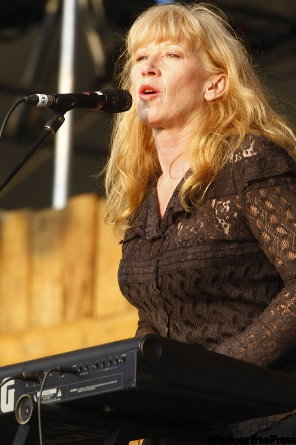 Loreena McKennitt,  the Celtic New Age star, returned to her home province to conclude the musical portion of the 36th annual folk festival.  (TREVOR.HAGAN@FREEPRESS.MB.CA)