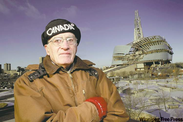 MIKE DEAL / WINNIPEG FREE PRESSLeigh Syms, the archeologist who helped compile an 800-page report on the excavation at The Forks, said the museum has �buried� the findings.