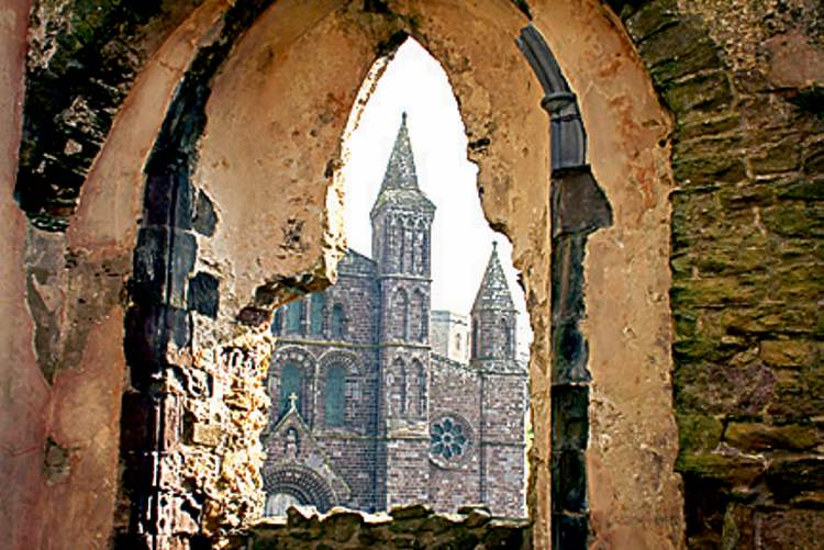 Spots of historical interest ranging from the neolithic period to the present are in abundance along the Pembrokeshire Coast Path in Wales. St. David�s Cathedral, with its neighbouring ruined bishop�s palace, is one of them.