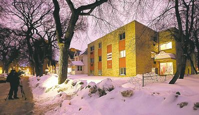 KEN GIGLIOTTI / WINNIPEG FREE PRESS A 23-year-old woman�s body was found in a Balmoral Street apartment Monday.