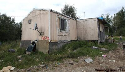 The outside view of the  trailer of Richard Andrews in Wasagamack First Nation.