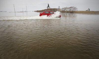 The province says only a major flood such as 1997's would close Highway 75 once long-term flood-protection is complete.