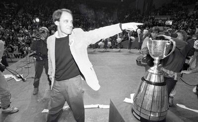 Coach Mike Riley at Winnipeg Blue Bomber Grey Cup rally at the Winnipeg Arena on November 26, 1990.