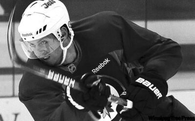 wayne glowacki / winnipeg free press archivesEric Fehr�s return to the Jets lineup included a little bit of jitters as well as some solid offensive chances.
