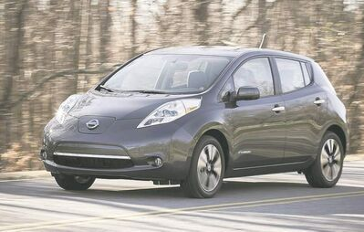 Customers can save almost $7,000 on a 2013 Nissan Leaf compared to last year.