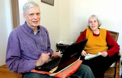 BORIS MINKEVICH / WINNIPEG FREE PRESSDedicated environmentalists Peter Miller and Carolyn Garlich were honoured recently with the fifth annual Anne Lindsey Protecting Our Earth Award by the Manitoba Eco-Network.