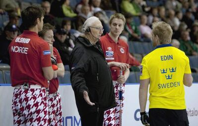 A curling umpire can now give unruly curlers the boot, but players complain the rule is too vague and say it takes emotions and intensity out of the game.
