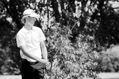 COLE BREILAND / WINNIPEG FREE PRESSManitoba Amateur co-leader Charlie Boyechko follows his drive off the tee on the 18th hole Wednesday at Glendale Golf and Country Club.