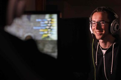 Mitch Green practices his skills several hours a day as a professional video game player in a virtual sports world called eSports which is quickly becoming a profitable game for pro players. (Ruth Bonneville / Winnipeg Free Press)