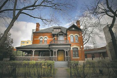 A plan to rescue the historic Dalnavert House, shuttered since Labour Day of 2013 due to tumbling attendance, was approved Tuesday night by the Manitoba Historical Society.