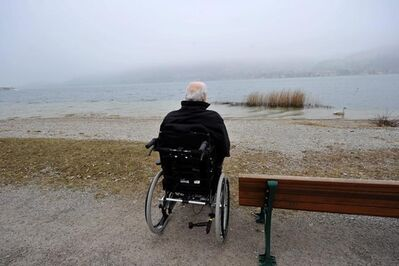 FILE - The April 5, 2013 file photo shows former German chancellor Helmut Kohl on the shore of Lake Tegernsee in Bad Wiessee, southern Germany. (Frank Leonhardt/dpa via AP, file)