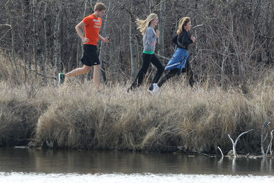 Runners take advantage of great trails at FortWhyte Alive