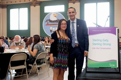 Point Douglas MLA and Minister of Children and Youth Opportunities Kevin Chief launched Starting Early, Starting Strong, a provincial dialogue on supporting families through early childhood development. Chief welcomes mother-to-be Wendy Hallgrimson at the first public meeting, held at the Aboriginal Centre.