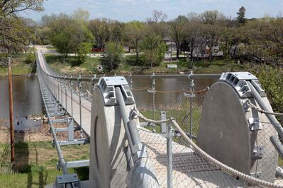 The swinging bridge in Souris. (Colin Corneau/Brandon Sun)