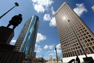 Portage and Main must stay closed to pedestrians until the end of 2016 because of an agreement with the property owners that was signed in the late 1970s.