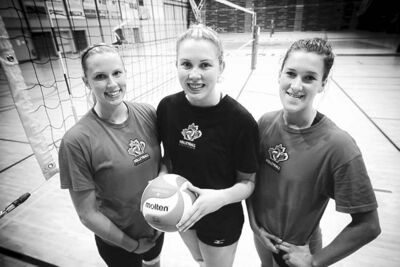 Mike Deal / Winnipeg Free PressLeft to right: Manitobans Tricia Mayba, Lisa Barclay and Megan Cyr are national team hopefuls.