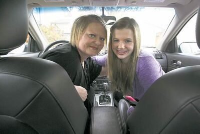 JOE BRYKSA / WINNIPEG FREE PRESSSamantha Novak and her mother/driver Traci Booth say Meals on Wheels has opened their minds to others� challenges.