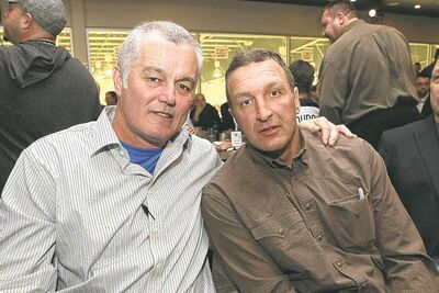 Mike Deal / Winnipeg Free PressFormer Jet Dave Ellett (left) and Dean Kennedy on Wednesday night during draft banquet for Mike Keane Celebrity Classic.